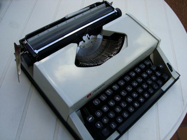 Vendo máquina de escribir Olympiette