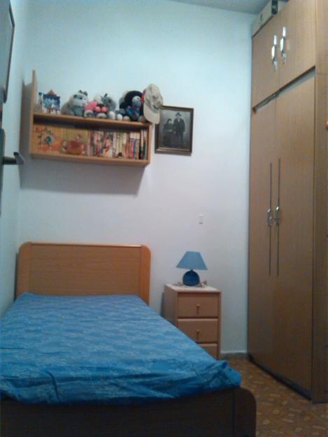 Habitacion individual - cama, colchon, armario, mesilla