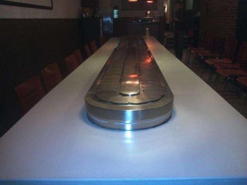 Mesa bufet giratoria sushi restaurante