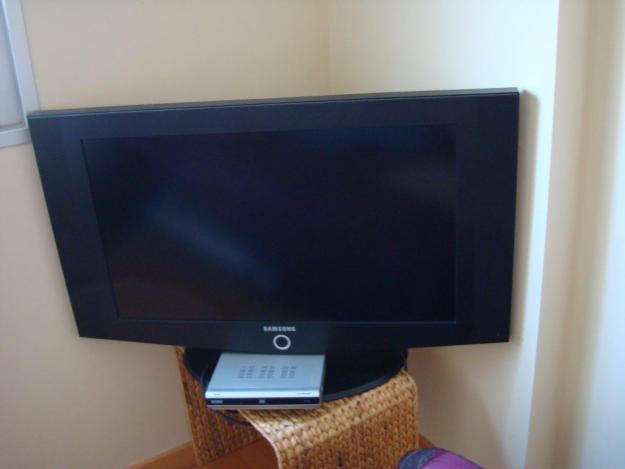 POR AUSENTARME DEL PAIS REMATO TELEVISOR LCD, ANTENA PARABOLICA Y RECEPTORA DIGITAL