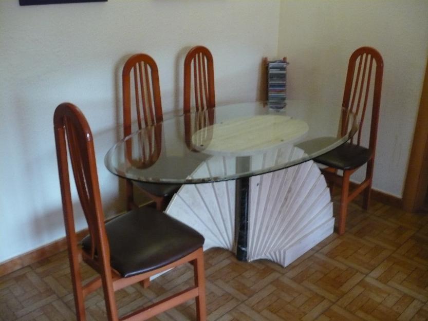 Se vende mesa de comedor y sillas