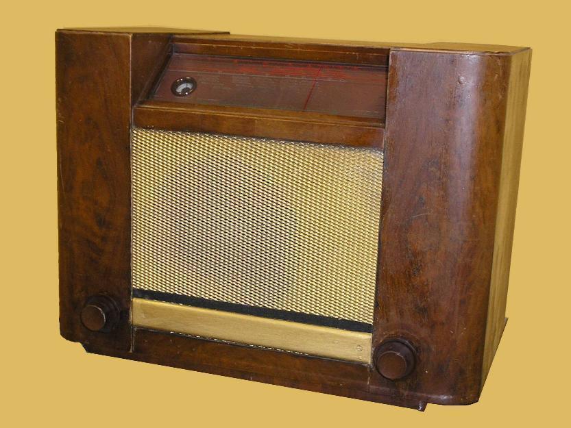 Radio antigua philips 747a