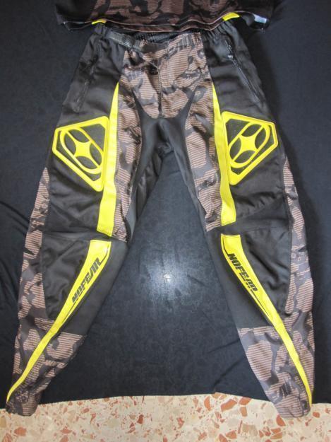 Vendo conjunto de motocross,camiseta y pantalon.NO FEAR,talla M