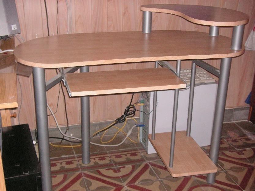 mesa doble uso; ordenador y escritorio