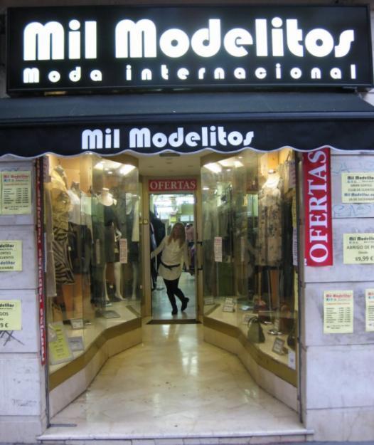 Mil Modelitos tienda de compra venta de ropa de segunda mano.