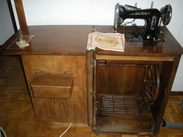 Se vende maquina de coser antigua en buen estado