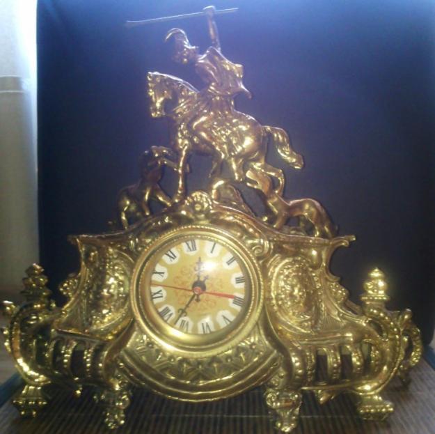 Vendo antiguo reloj de bronce muy buena conservación-funcionaa
