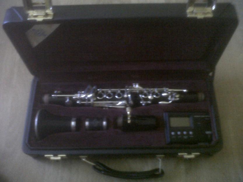 clarinete eb (requinto) buffet r13. 1000 euros.