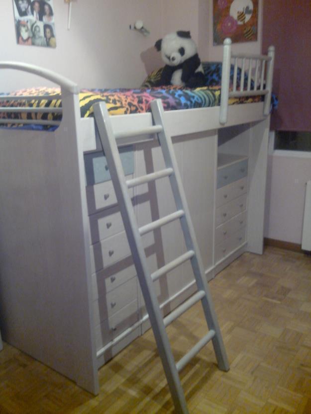Dormitorio infantil juvenil.