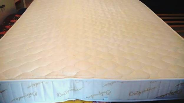 colchón terapeútico 135 cm en buen estado